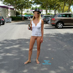Enjoying Naked Pussy Around The Town - Big Tits, Blonde, Public Exhibitionist, Flashing, Public Place, Wife/wives, Shaved