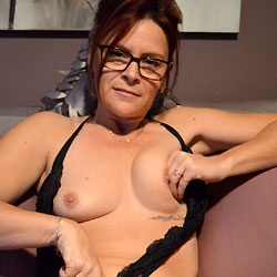 Pic #1Sexy Pussy - Amateur, Shaved, Lingerie, Medium Tits