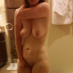 Shy MILF Naked In Bathroom  - Wife/wives, Amateur