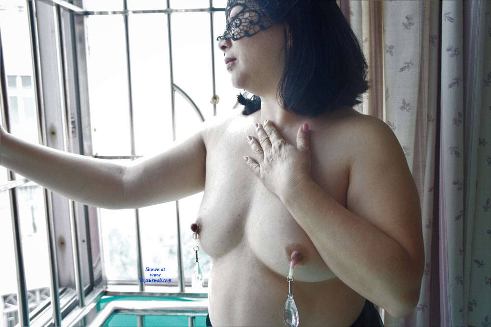 Can Hong kong big tits model