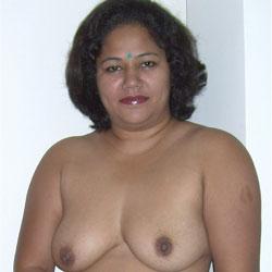 Indian Model Fresh For VW - Dressed, European And/or Ethnic, Brunette, Big Tits, Amateur