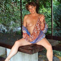 In Giardino - Big Tits, Brunette, Outdoors, Amateur