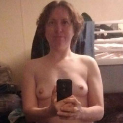 First Time Sharing Online - Nude Friends, Mature, Amateur