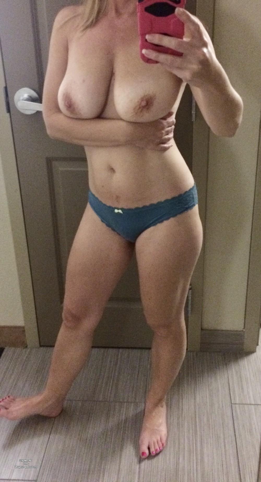 Models pussy slip clip