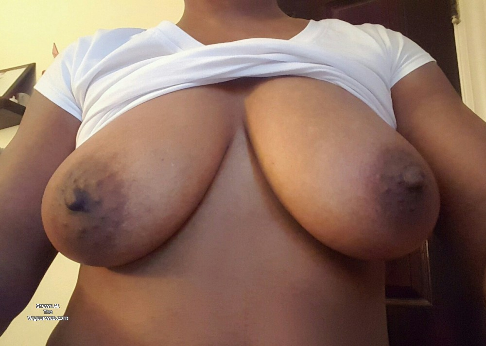 Pic #1 Medium tits of my girlfriend - CeCee