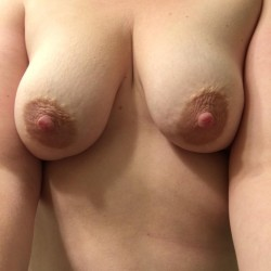 Medium tits of my wife - Aly84