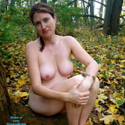 Annie - A Day In The Woods - Nude Girls, Big Tits, Brunette, Outdoors, Nature