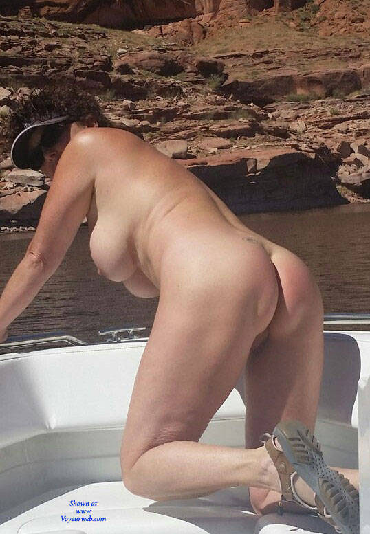 Pic #1Showing Ass Outdoor - Brunette, Outdoors, Amateur