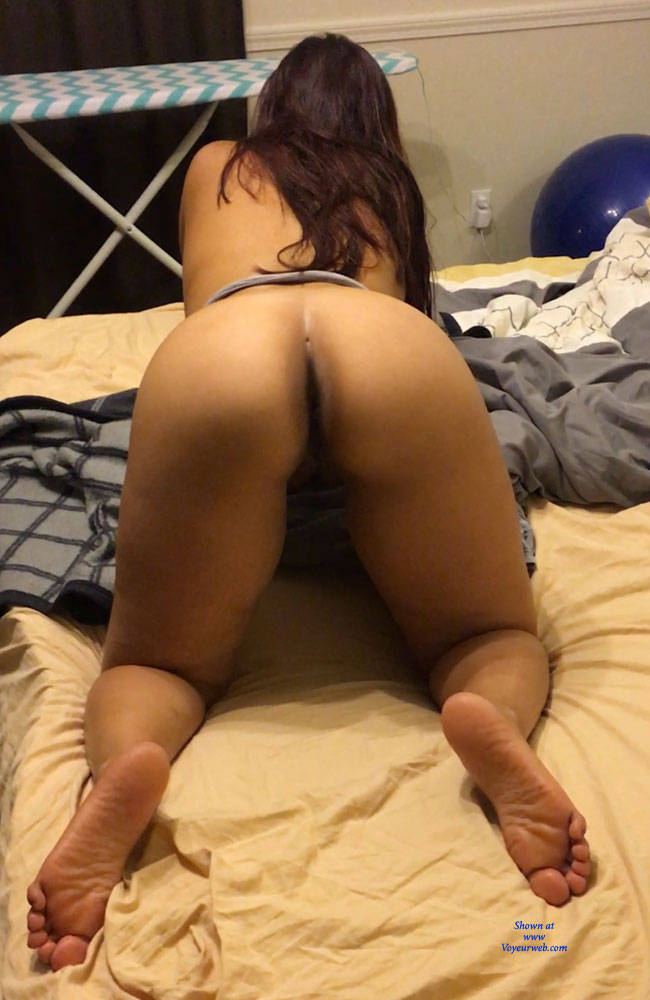 ass Nude brunette wife