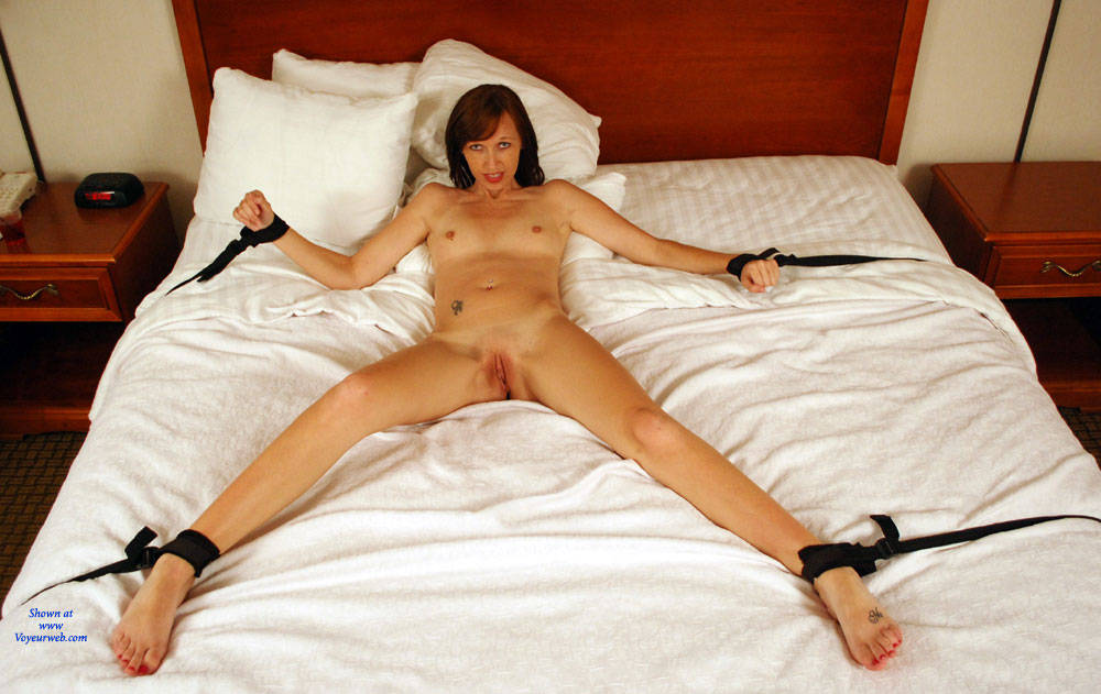 chained bed the Naked nude women to