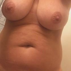 Medium tits of my wife - Babes