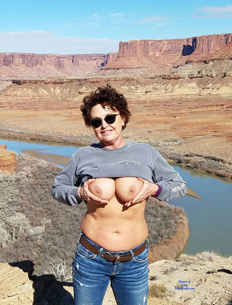 Pic #1Titty Flashing Outdoors - Topless Wives, Big Tits, Brunette, Outdoors, Amateur, Mature