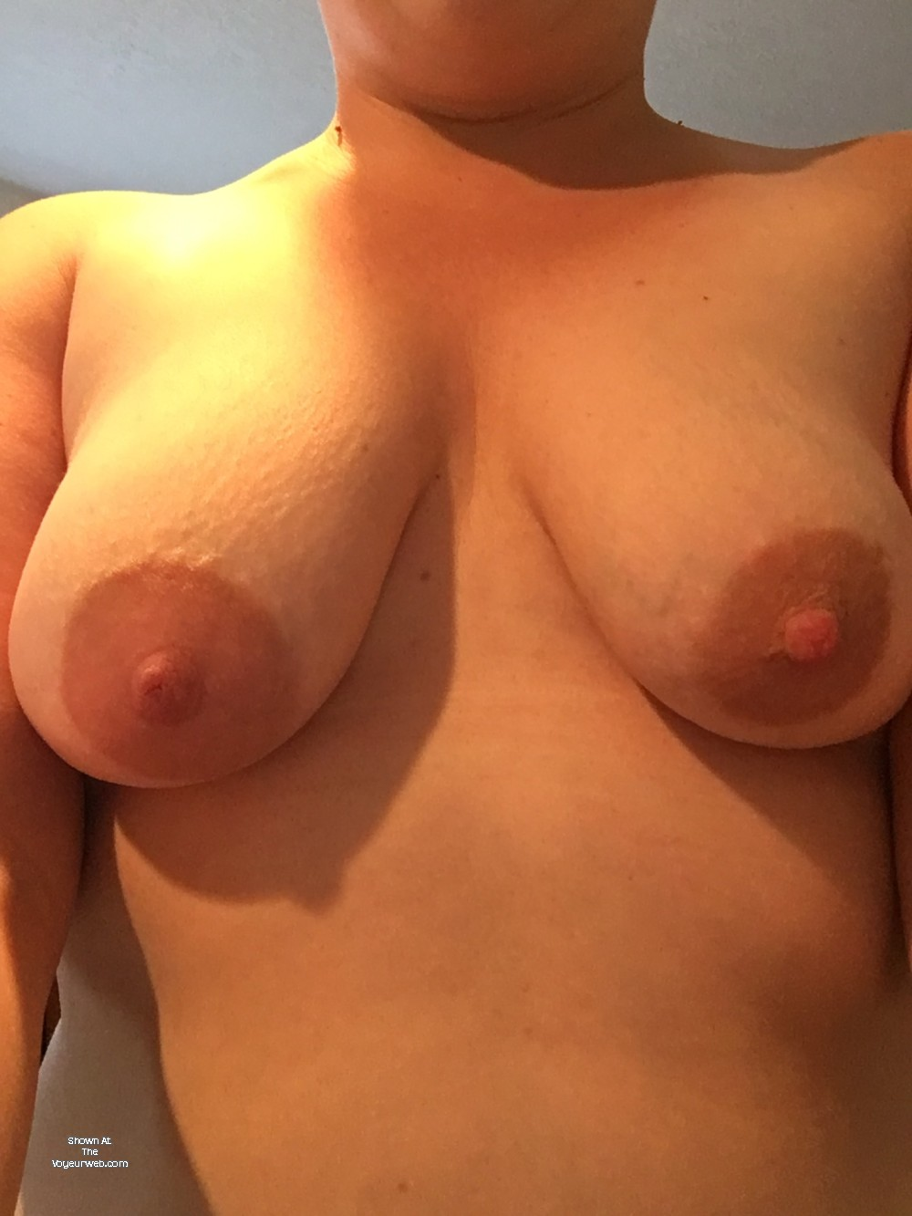 Pic #1Medium tits of my wife - Aly84