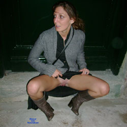 Flashing In Town - Pantieless Girls, Outdoors, Shaved, Amateur