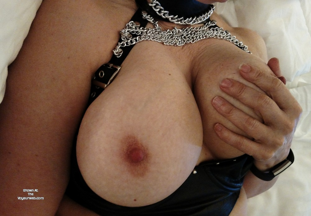 Pic #1 My large tits - 32eee