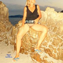 Quick Beach Flash - Beach, Outdoors, Shaved, Amateur