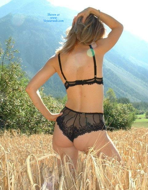 Pic #1 Sandi al Campo - Lingerie, Blonde, Latina, Nature, Outdoors, Big Ass