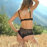 Sandi al Campo - Lingerie, Blonde, Latina, Nature, Outdoors, Big Ass