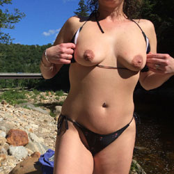 Milf - Nude Girls, Big Tits, Outdoors, Amateur