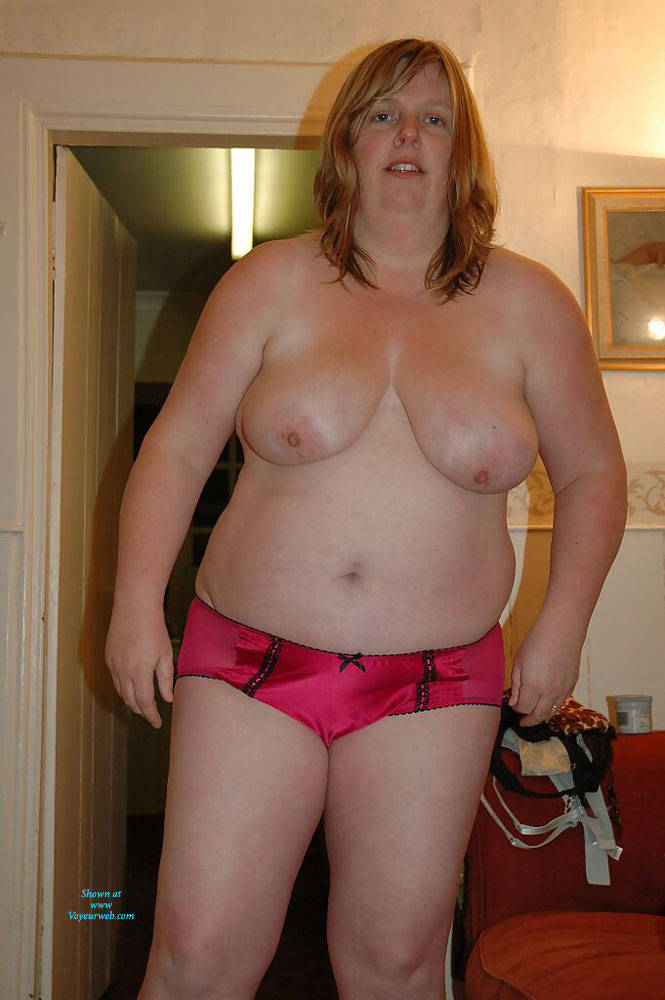 Pic #1 Fiona Loves To Pose - Nude Amateurs, Bbw, Big Tits