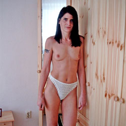 Ane P. - Bedroom Shot III - Nude Girls, Brunette, Amateur