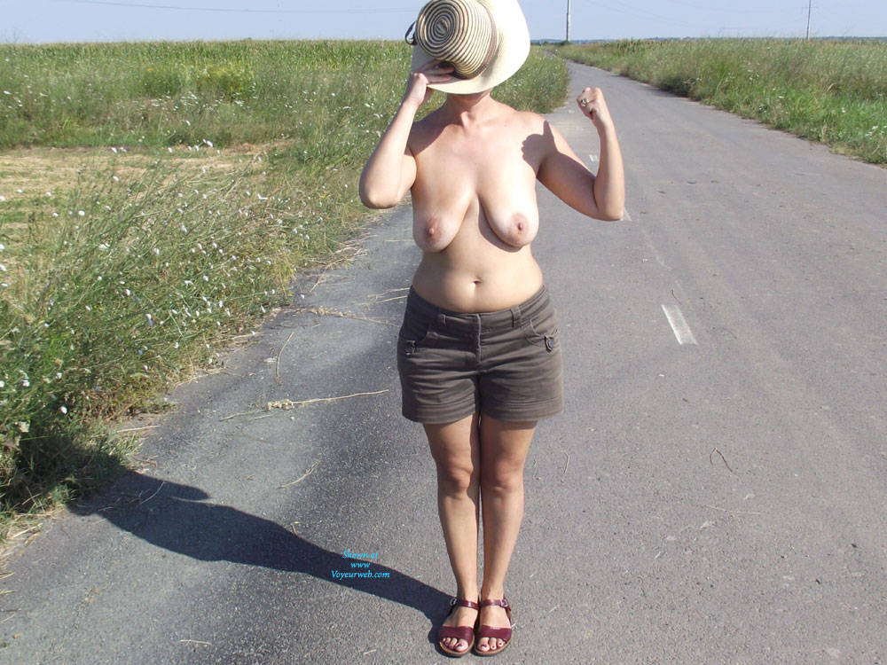 Pic #1 Wife - Nude Wives, Big Tits, Outdoors