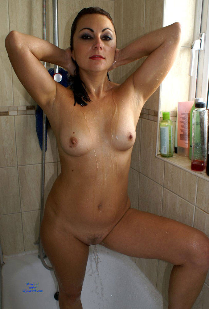 Pic #1Anna (39) In The Shower - Nude Girls, Brunette, Bush Or Hairy, Amateur