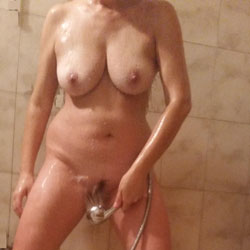 Shower Time - Nude Girls, Big Tits, Bush Or Hairy, Amateur, Wet Tits