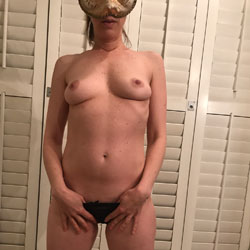 I Love Cock - Nude Amateurs, Big Tits, Shaved