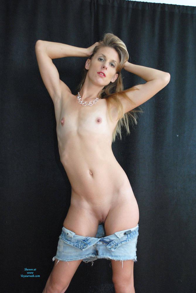 Naked girls toned — img 13