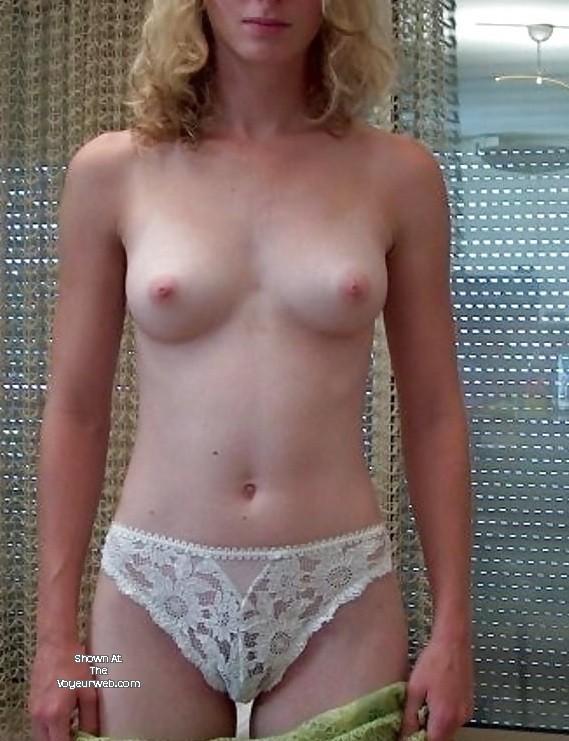 hawaiian women nude shower vid