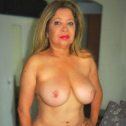 Wonderful Curvy Kassandra - Nude Friends, Big Tits, Amateur