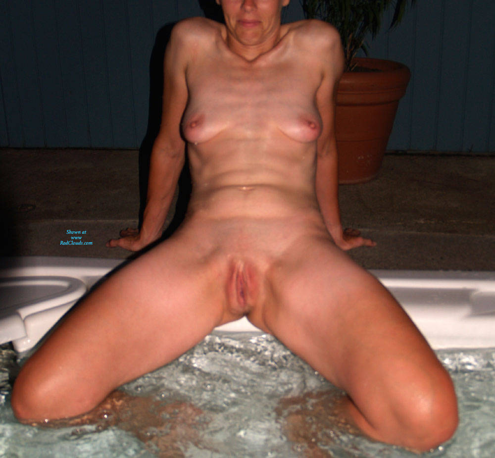 Pic #1Mrs. Naughtydx Spreads - Nude Wives, Big Tits, Shaved, Amateur