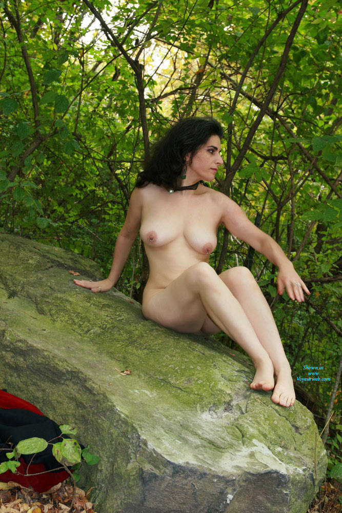 Superstar Nude Photography Outdoors HD