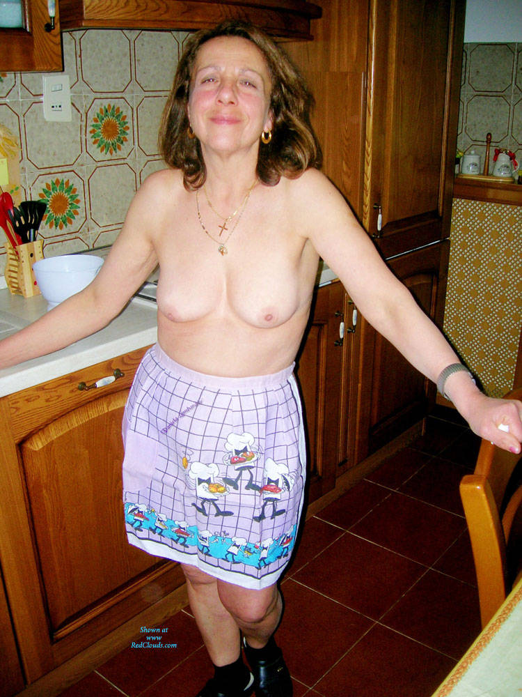 Real amateur mature wife nude