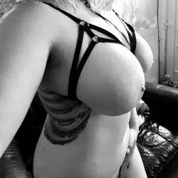 Large tits of my girlfriend - Kirsten