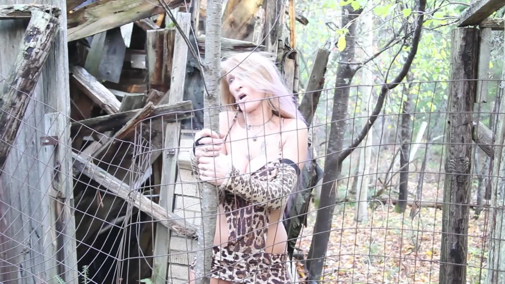 Pic #1House In The Woods - Big Tits, Blonde, Outdoors, Shaved, Amateur, Tattoos
