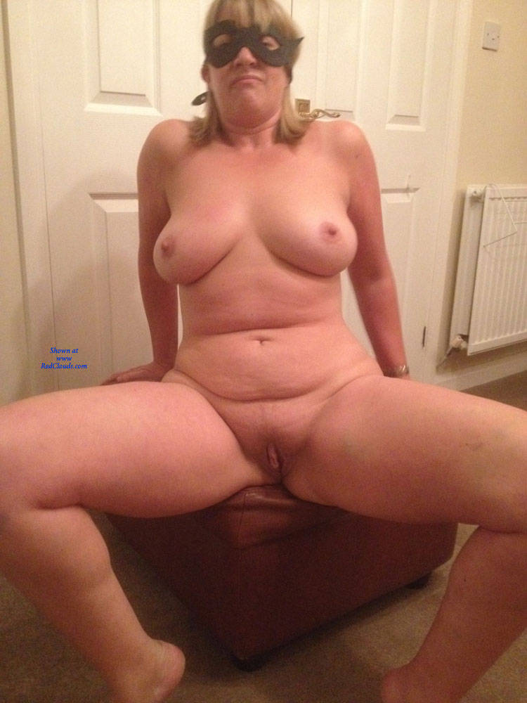 Pic #1Masked Photo Fun - Nude Girls, Big Tits, Shaved, Amateur
