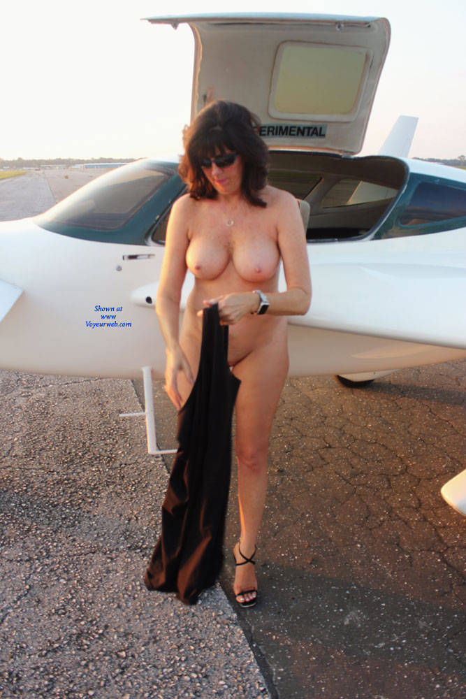 Pic #1High Flyer 2 - Nude Amateurs, Big Tits, Brunette, Outdoors, Shaved