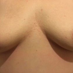 My medium tits - Raveness