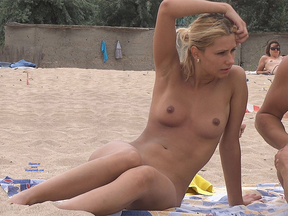 Pic #1Nice Shapes - Nude Girls, Outdoors, Shaved, Firm Ass, Beach Voyeur, Beach