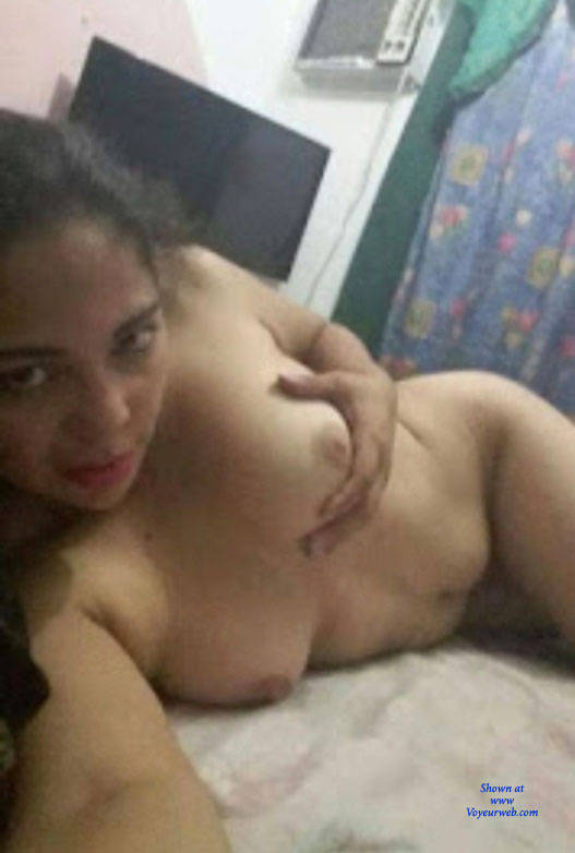 Pic #1 Un Tiemo De Relax - Nude Amateurs, Brunette