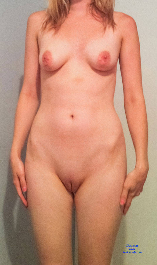 Pic #1Nude Amateur Girlfriend - Nude Girlfriends, Shaved, Amateur