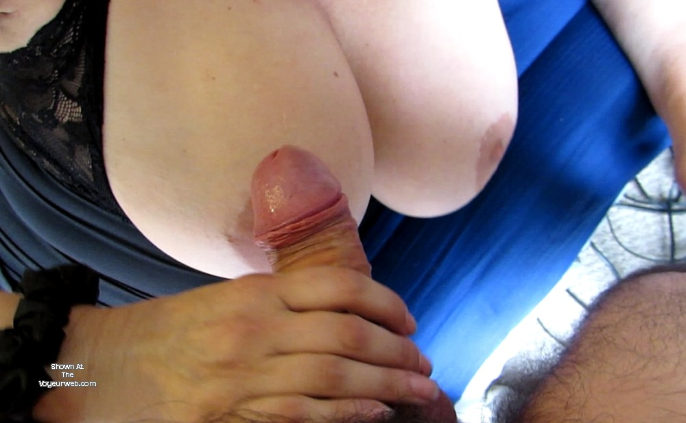 Pic #1Large tits of a neighbor - Beba69