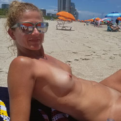 Enjoying The Beach - Nude Girls, Beach, Outdoors, Amateur