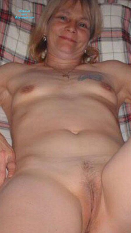 Pic #1 Cuming In Roberta - Nude Amateurs, Mature