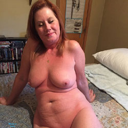 Her Pussy Needed Attention - Nude Amateurs, Big Tits, Shaved
