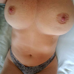 Morning In Bed - Big Tits, Amateur