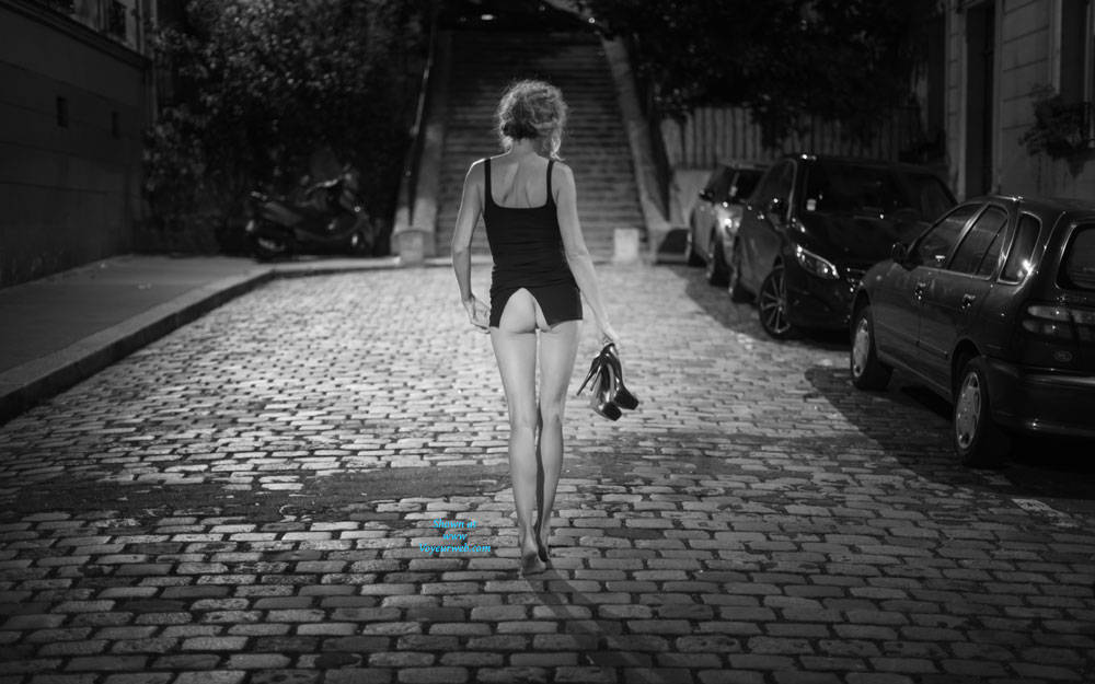 Pic #1Paris - Pantieless Girls, Public Exhibitionist, Flashing, Outdoors, Public Place, Long Legs