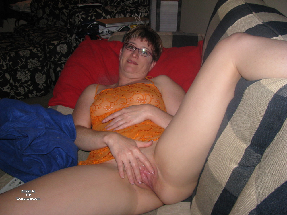Pic #1Medium tits of my wife - Redhot